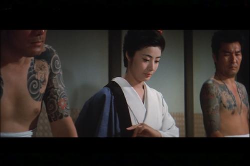 手本引シーン 緋牡丹博徒5鉄火場列伝 藤純子